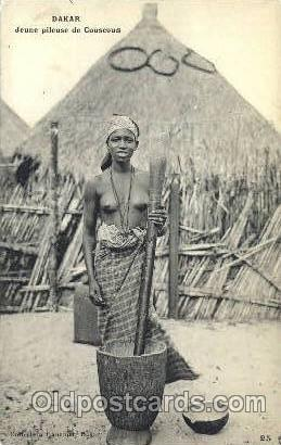 Dakar Jeune Pileuse de Couscous
