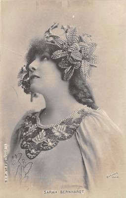 act002150 - Actress Sara Bernhardt Postcard Post Card