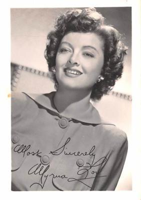 act012332 - Myrna Loy Movie Star Actor Actress Film Star Postcard, Old Vintage Antique Post Card