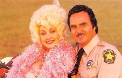 act016209 - Dolly Parton & Burt Reynolds Movie Star Actor Actress Film Star Postcard, Old Vintage Antique Post Card