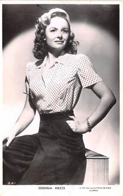 act018302 - Donna Reed Movie Star Actor Actress Film Star Postcard, Old Vintage Antique Post Card