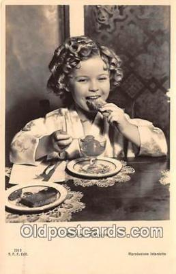 act020440 - Shirley Temple Postcard