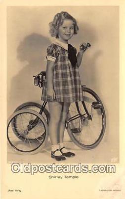 act020461 - Shirley Temple Postcard