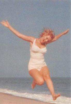 act510007 - Marilyn Monroe Movie Poster Postcard