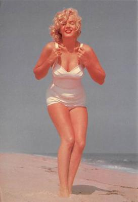 act510011 - Marilyn Monroe Movie Poster Postcard