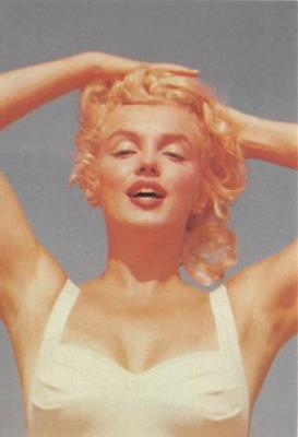 act510047 - Marilyn Monroe Movie Poster Postcard