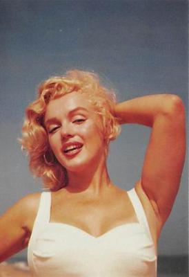 act510055 - Marilyn Monroe Movie Poster Postcard