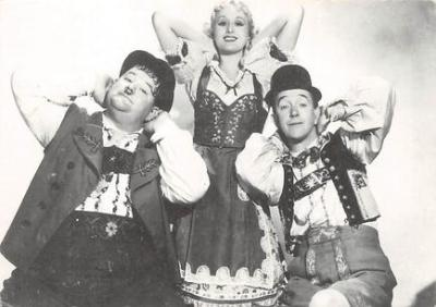 act520085 - Laurel and Hardy Movie Poster Postcard