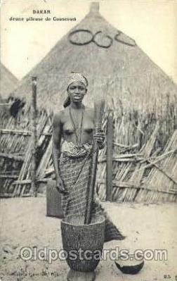 afr001479 - Dakar Jeune Pileuse de Couscous African Nude Post Card Post Card