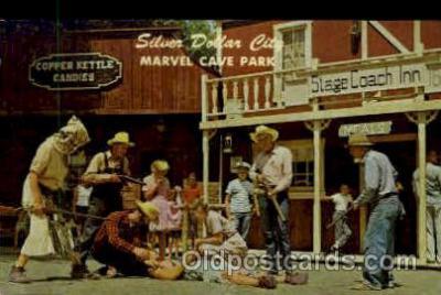 amp001155 - Comic Drama In Silver Dollar City, Branson, MO USA Amusement Park Parks, Postcard Post Card