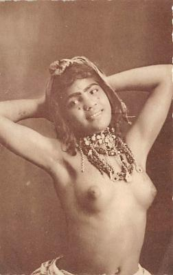 arb003214 - Photo Soler, Tunis Arab Nude Postcard