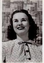 act004040 - Deanna Durbin Postcard