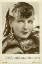 act007121 - Greta Garbo Postcard Post Card