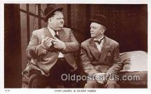 act008196 - Stan Laurel & Oliver Hardy Movie Actor / Actress, Entertainment Postcard Post Card