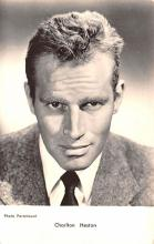 act008267 - Charlton Heston Movie Star Actor Actress Film Star Postcard, Old Vintage Antique Post Card