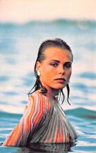 act008328 - Margaux Hemingway Movie Star Actor Actress Film Star Postcard, Old Vintage Antique Post Card