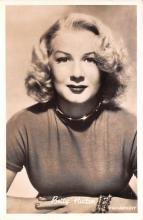 act008342 - Betty Hutton Movie Star Actor Actress Film Star Postcard, Old Vintage Antique Post Card