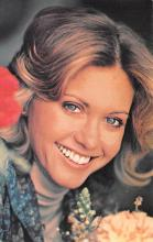 act010063 - Olivia Newton Joh Movie Star Actor Actress Film Star Postcard, Old Vintage Antique Post Card