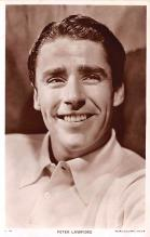 act012233 - Peter Lawford Movie Star Actor Actress Film Star Postcard, Old Vintage Antique Post Card
