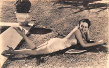 act012256 - Dorothy Lamour Movie Star Actor Actress Film Star Postcard, Old Vintage Antique Post Card