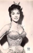 act012300 - Gina Lollobrigida Movie Star Actor Actress Film Star Postcard, Old Vintage Antique Post Card