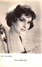 act012311 - Gina Lollobrigida Movie Star Actor Actress Film Star Postcard, Old Vintage Antique Post Card