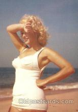 act013114 - Post Card Produced 1984 - 1988, Actress, Model, Marilyn Monroe Postcard
