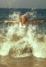 act013131 - Post Card Produced 1984 - 1988, Actress, Model, Marilyn Monroe Postcard