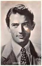 act016192 - Gregory Peck Movie Star Actor Actress Film Star Postcard, Old Vintage Antique Post Card