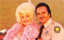 act016215 - Dolly Parton & Burt Reynolds Movie Star Actor Actress Film Star Postcard, Old Vintage Antique Post Card