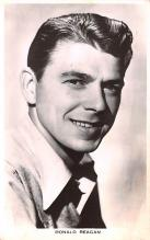 act018182 - Ronald Reagan Movie Star Actor Actress Film Star Postcard, Old Vintage Antique Post Card