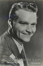 act019099 - Red Skelton Actor, Actress, Movie Star, Postcard Post Card