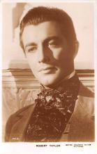 act020482 - Robert Taylor Movie Star Actor Actress Film Star Postcard, Old Vintage Antique Post Card
