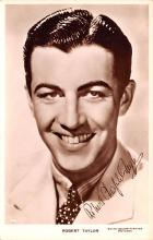 act020524 - Robert Taylor Movie Star Actor Actress Film Star Postcard, Old Vintage Antique Post Card