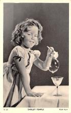 act020587 - Shirley Temple Movie Star Actor Actress Film Star Postcard, Old Vintage Antique Post Card