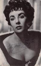act020606 - Elizabeth Taylor Movie Star Actor Actress Film Star Postcard, Old Vintage Antique Post Card
