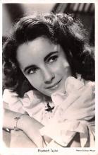 act020614 - Elizabeth Taylor Movie Star Actor Actress Film Star Postcard, Old Vintage Antique Post Card
