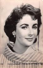 act020630 - Photo Paramount, Elizabeth Taylor Movie Star Actor Actress Film Star Postcard, Old Vintage Antique Post Card