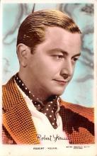act024005 - Robert Young Movie Star Actor Actress Film Star Postcard, Old Vintage Antique Post Card
