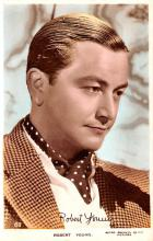 act024006 - Robert Young Movie Star Actor Actress Film Star Postcard, Old Vintage Antique Post Card