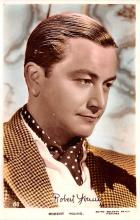 act024011 - Robert Young Movie Star Actor Actress Film Star Postcard, Old Vintage Antique Post Card