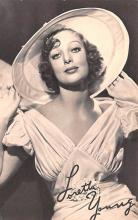 act024022 - Loretta Young Movie Star Actor Actress Film Star Postcard, Old Vintage Antique Post Card