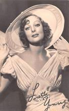 act024024 - Loretta Young Movie Star Actor Actress Film Star Postcard, Old Vintage Antique Post Card
