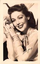 act024030 - Loretta Young Movie Star Actor Actress Film Star Postcard, Old Vintage Antique Post Card
