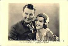 act027018 - Maurice Chevalier & Claudette Colbert Postcard, Post Card