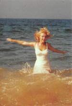 act510015 - Marilyn Monroe Movie Poster Postcard