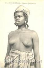 afr001075 - African Nude Nudes Postcard Post Card