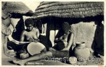 afr001504 - Basket Weaving African Nude Post Card Post Card