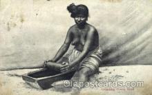 afr001517 - Grinding Curry Stuff African Nude Post Card Post Card