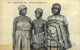 afr001518 - Madagascar - Femmes Zafimaniry African Nude Post Card Post Card